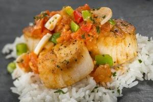 Ingredientes brasileiros: peixe com arroz e palmito