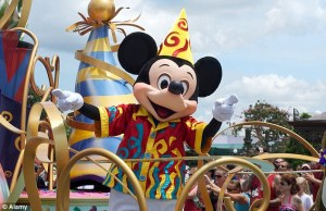 1406110973609_Image_galleryImage_D82TMK_Mickey_Mouse_chara