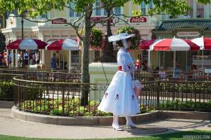 Character-Meet-and-Greets-at-the-Magic-Kingdom_Full_25123
