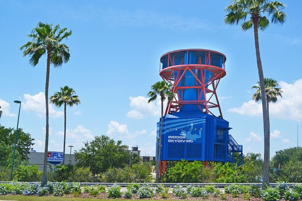 ifly_orlando_exterior_i_drive_attraction