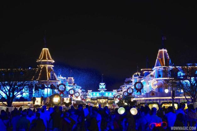 Mickeys-Very-Merry-Christmas-Party_Full_22861.jpg