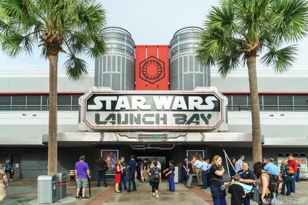 Star-Wars-Launch-Bay_Full_26101.jpg