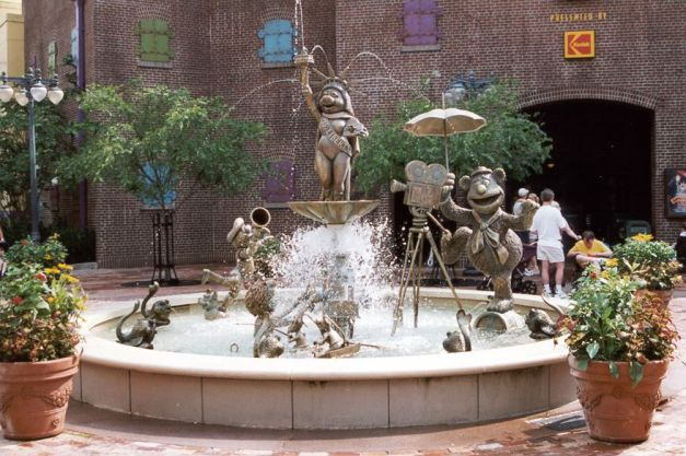 Muppets_fountain.jpg