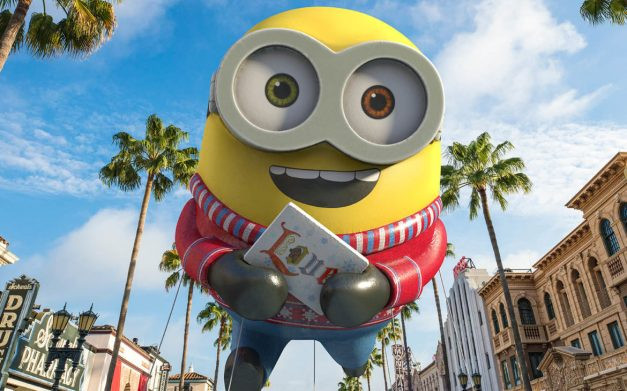 Universals-Holiday-Parade-Featuring-Macys-Despicable-Me-Balloon-1170x731.jpg