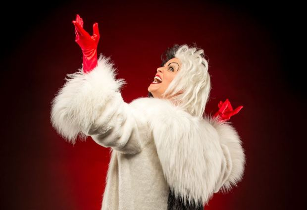 cruella-halloween-magic-kingdom.JPG